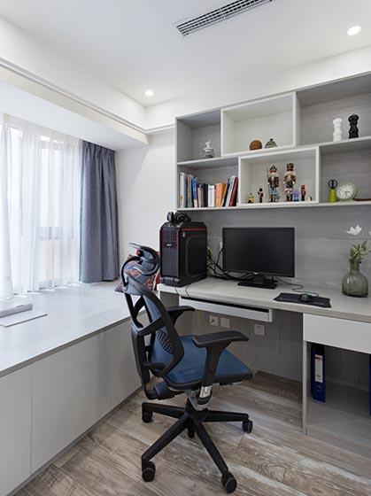 北欧风格设计在小户型中是很有优势的, 要求的更加惊喜, 让地板作为电视背景墙,质感上更上一层楼, 与地面相连接配合着白色系墙面做出精致的装饰。