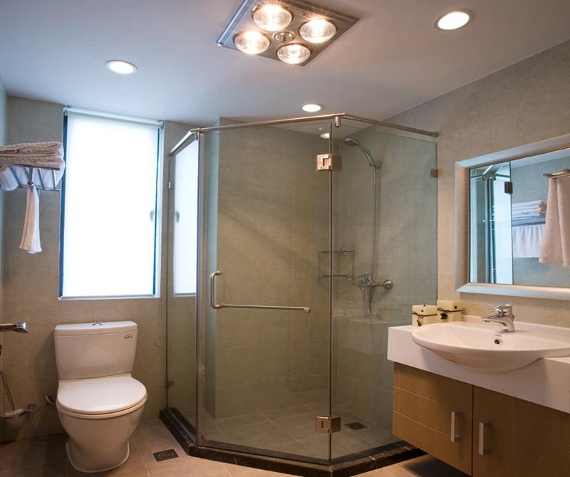 卫生间采用日常简洁布置,很敞亮。