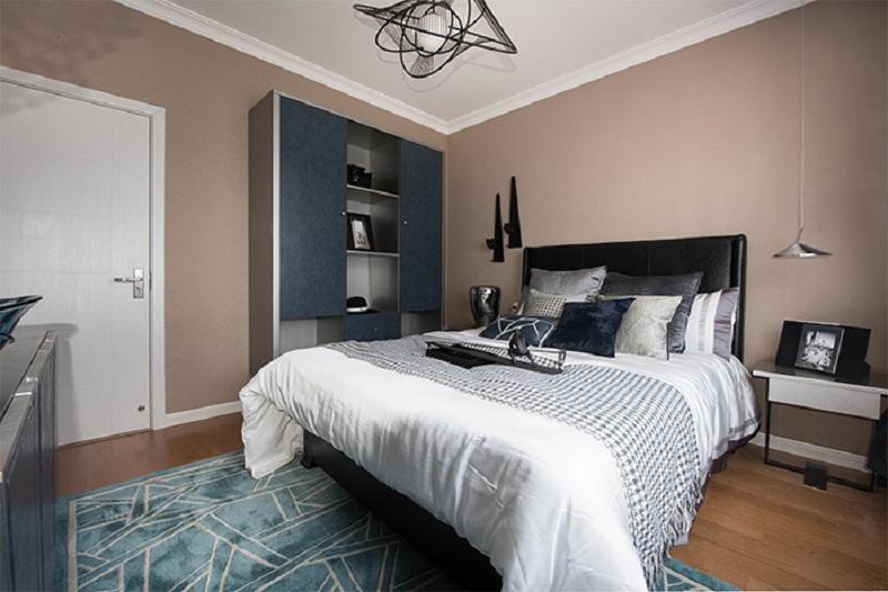 卧室 卧室整体色彩搭配和谐,每件物品都很有质感,为业主打造轻奢舒适的私人空间。