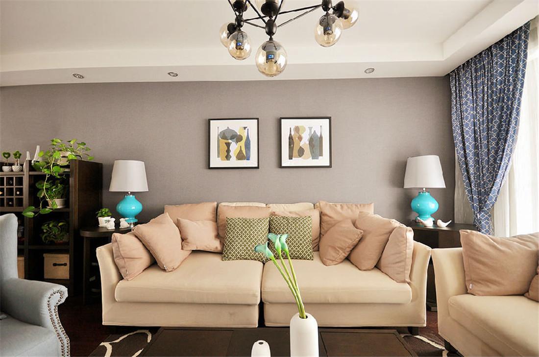 暖色沙发,温馨舒适