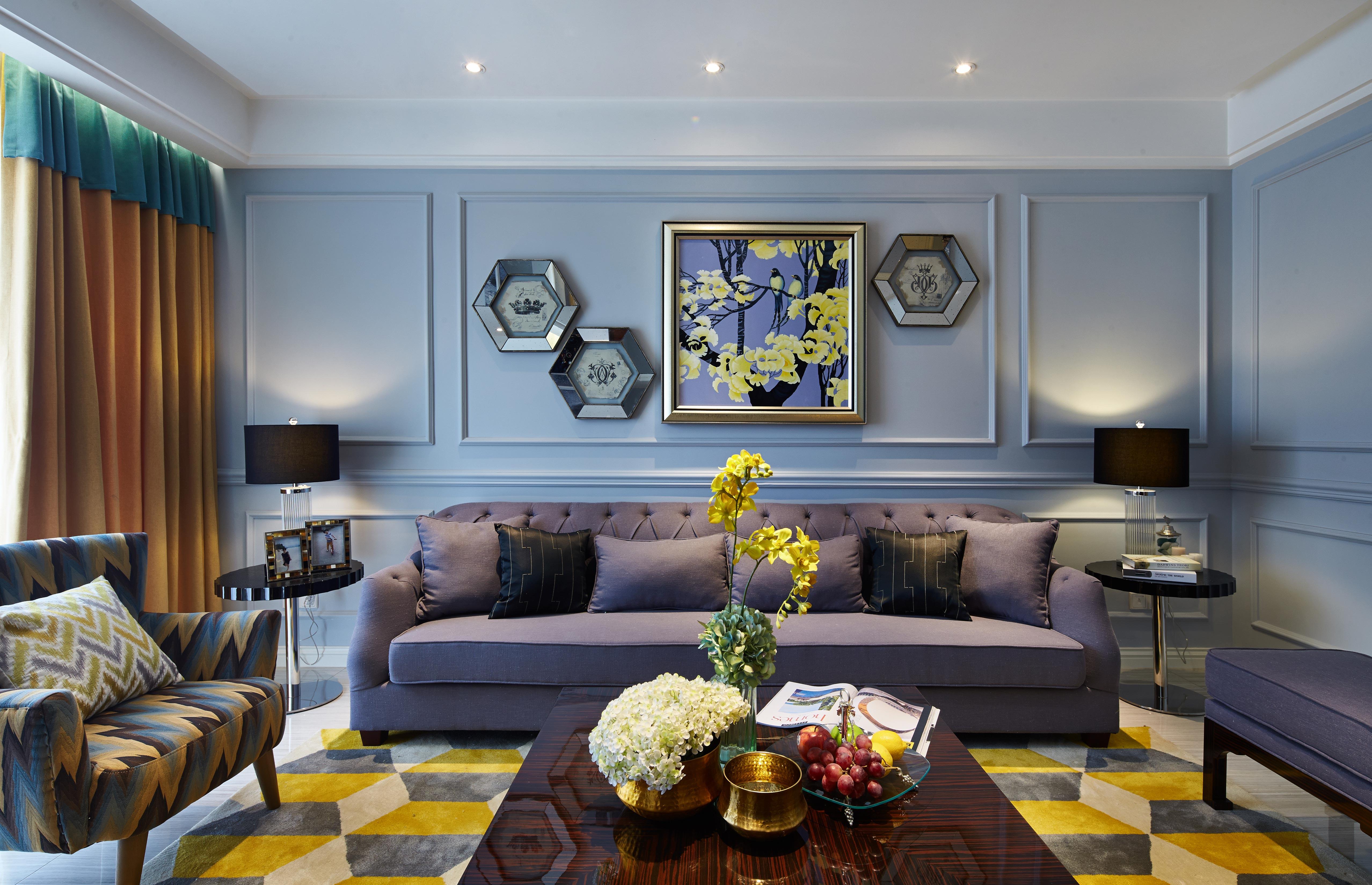 现代欧式的居室有的不只是豪华大气,更多的是惬意和浪漫。通过完美的曲线,精益求精的细节处理,带给家人不尽触感,实际上和谐是欧式风格的最高境界。