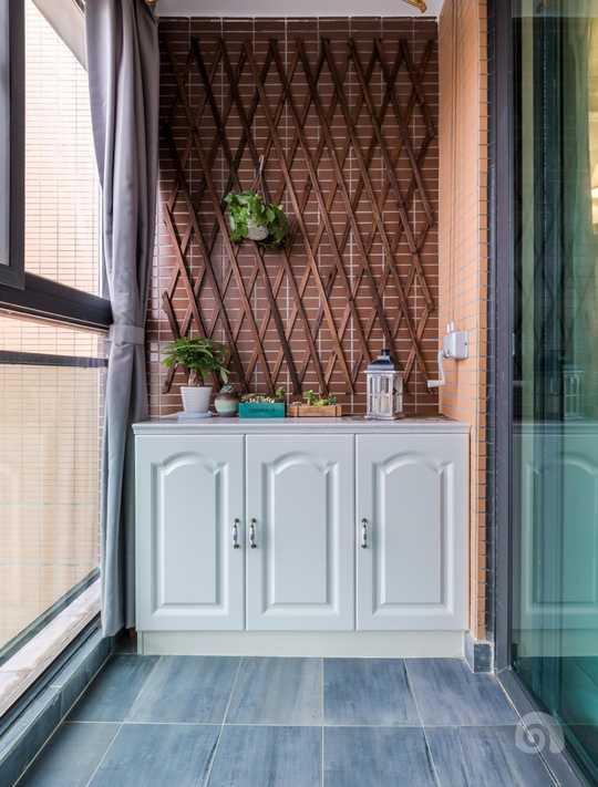阳台不仅仅的用来晾衣服,将来这里还会是一个秘密花园哦!