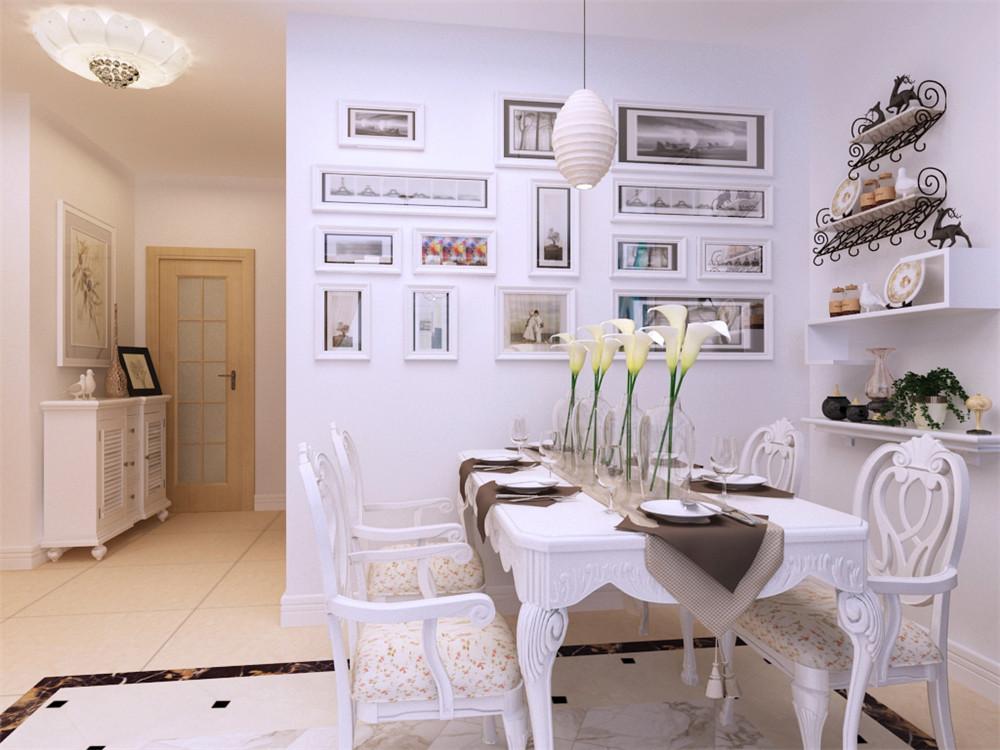 整个客餐厅空间区域为冷暖结合,通刷白色乳胶漆,客厅是家庭成员团聚和交流感情的场所,也是家人接待来宾的场所,一般采用套装沙发或座椅围合成一个聚谈区域来布置。客厅中一般单独划分出一个视听区域,布置在沙发组合的正对面,由电视柜,电视背景墙,电视试听组合等组成。电视背景墙是客厅的视觉中心。餐厅背景墙使用简单的挂画做装饰。主卧室没有复杂的吊顶,以吊灯和筒灯为照明光源。整体以冷暖结合的简洁装饰手法诠释现代混搭风格的意义。