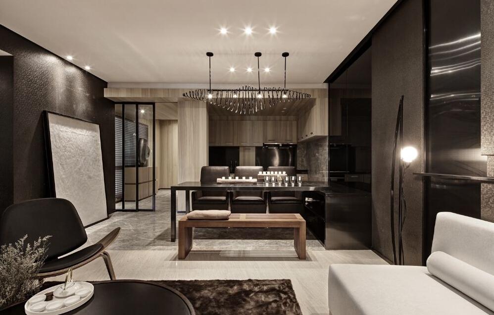 简约并不是缺乏设计要素,它是一种更高层次的创作境界。在室内设计方面,不是要放弃原有建筑空间的规矩和朴实,去对建筑载体进行任意装饰。而是在设计上更加强 调功能,强调结构和形式的完整,更追求材料、技术、空间的表现深度与精确。用简约的手法进行室内创造,它更需要设计师具有较高的设计素养与实践经验。需要设计师深 入生活、反复思考、仔细推敲、精心提炼,运用最少的设计语言,表达出最深的设计内 涵。?