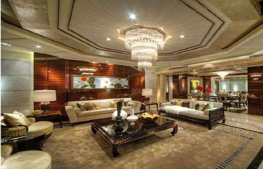 在形式上以浪漫主义为基础,常用大理石、华丽多彩的织物、精美的地毯、多姿曲线的家具,让室内显示出豪华、富丽的特点,充满强烈的动感效果。