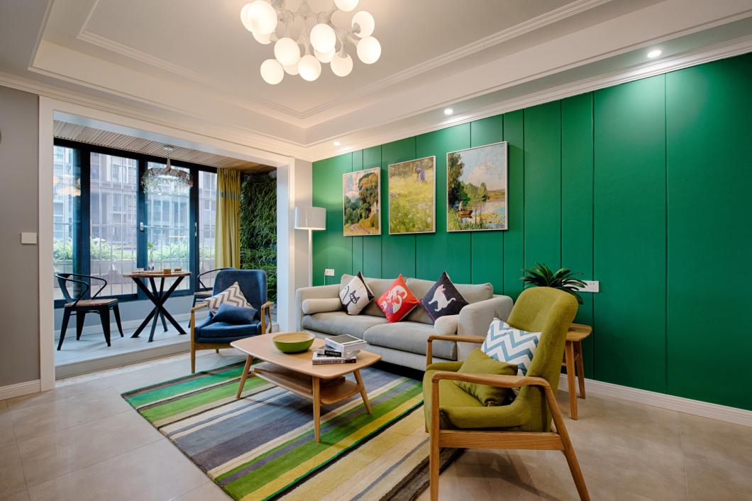 绿色的沙发背景墙,进入静如森林一般
