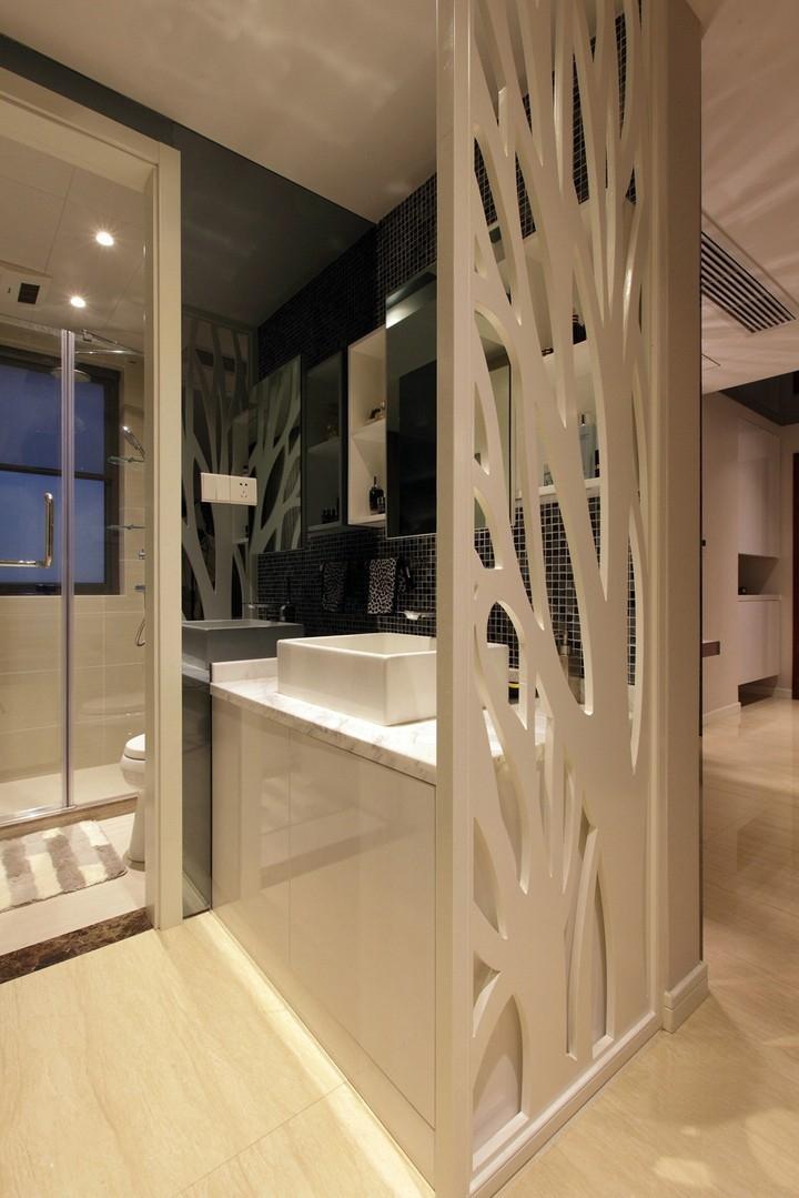 洗手台和淋雨区分开,人多可同时使用