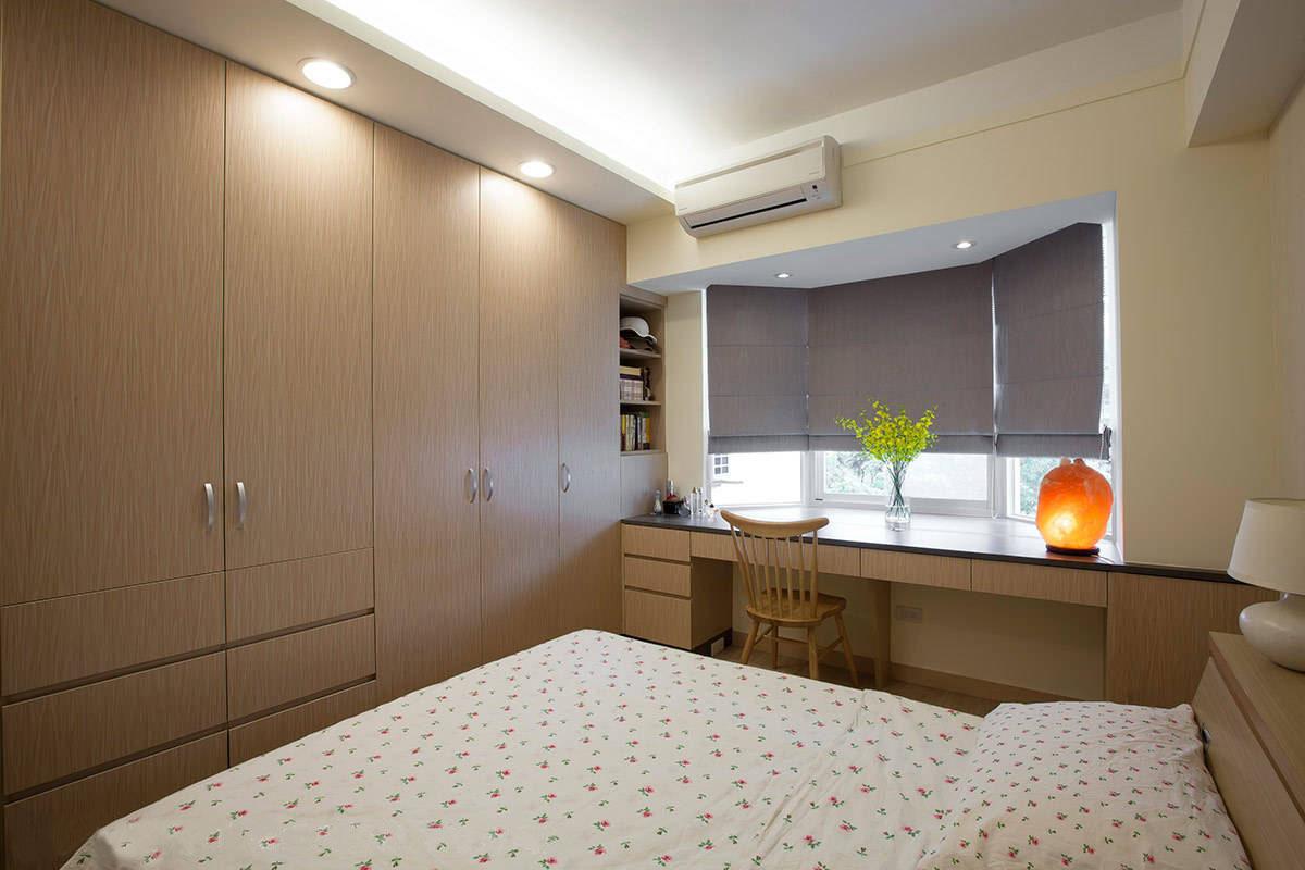卧室还设计了办公区域