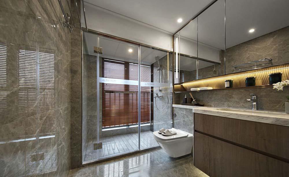 大理石布置的浴室,咋一眼看上去就像是五星级酒店的卫生间,高端大气上
