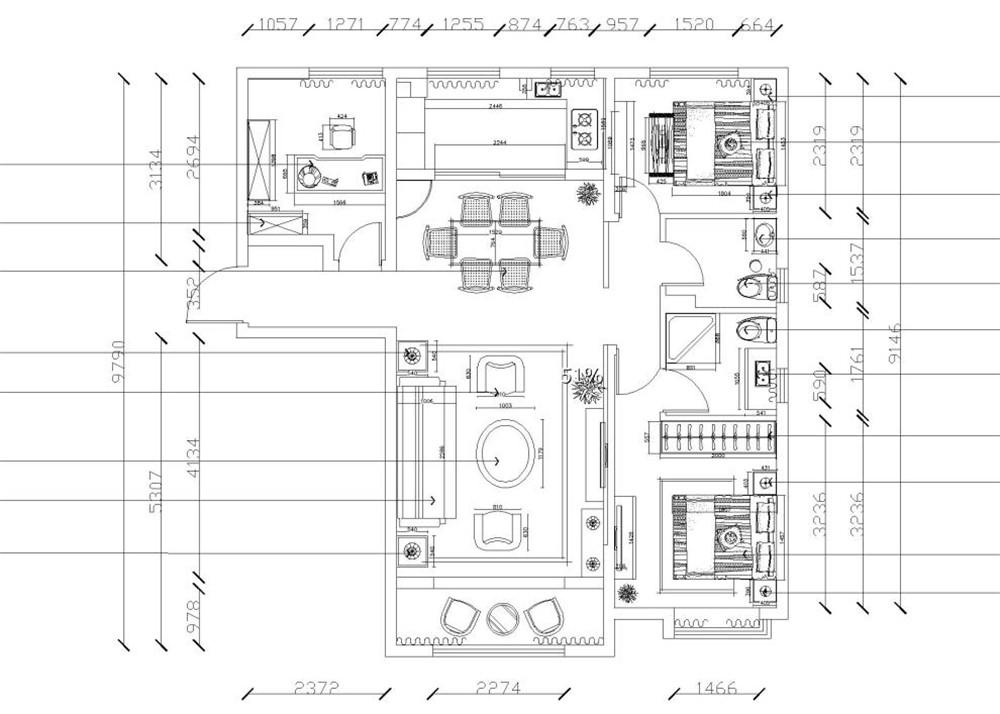 本案为天津华侨城E户型,户型面积为137平方米,三室两厅两卫一厨标准户型