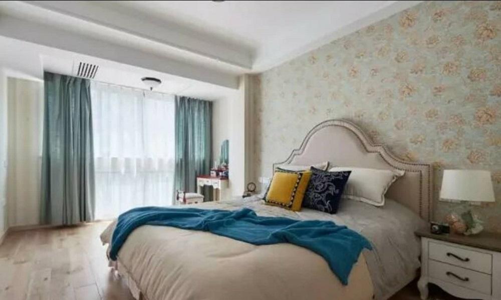 同时美式实木家具带来一些复古和轻奢;色彩上,刷墙面搭配咖色仿古砖图片